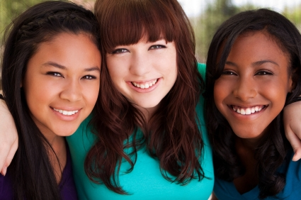 diverse teen girls